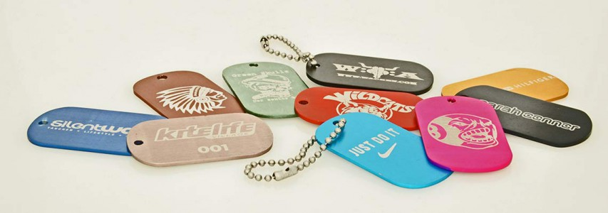 LASER-ENGRAVED COLOURED DOG TAGS